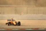 Алонсо попал в аварию в первый день тестов в Барселоне
