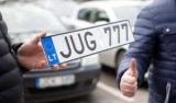 Довести машину в Литве номер сложнее