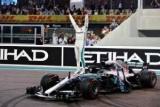 Гамильтон завершил чемпионский сезон победой в Абу-Даби